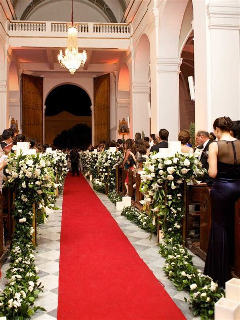 Ceremony Décor Photos   Red Carpet Style Aisle in Church