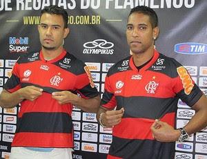 Renato Santos e Cléber Santana apresentados no Flamengo (Foto: Richard Souza / Globoesporte.com)