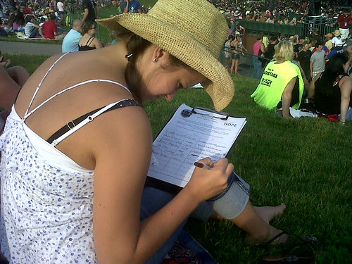 Signing up for Water = Hope on the lawn @BradPaisley Pittsburgh