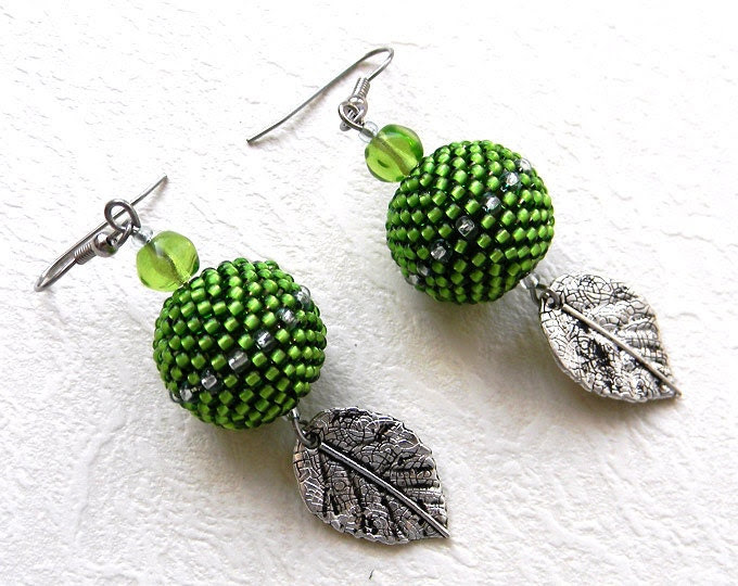 Green  Seed Bead Earrings with metallic leaves - beaded jewelry, beaded bead earrings, spring mood - Anabel27shop
