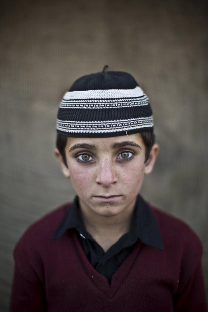 Hayat Khan, 8 ετών