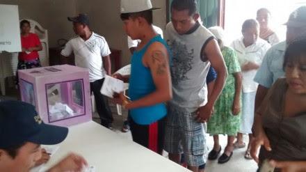 En plebiscito, pobladores destituyen a delegado municipal en Quintana Roo