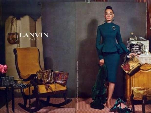O estilista Albert Elbaz disse que a ideia foi a de ver as roupas em pessoas de diferentes idades e tamanhos Foto: Divulgação