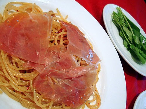 Aglio Olio Peperoncino with prosciutto and rocket