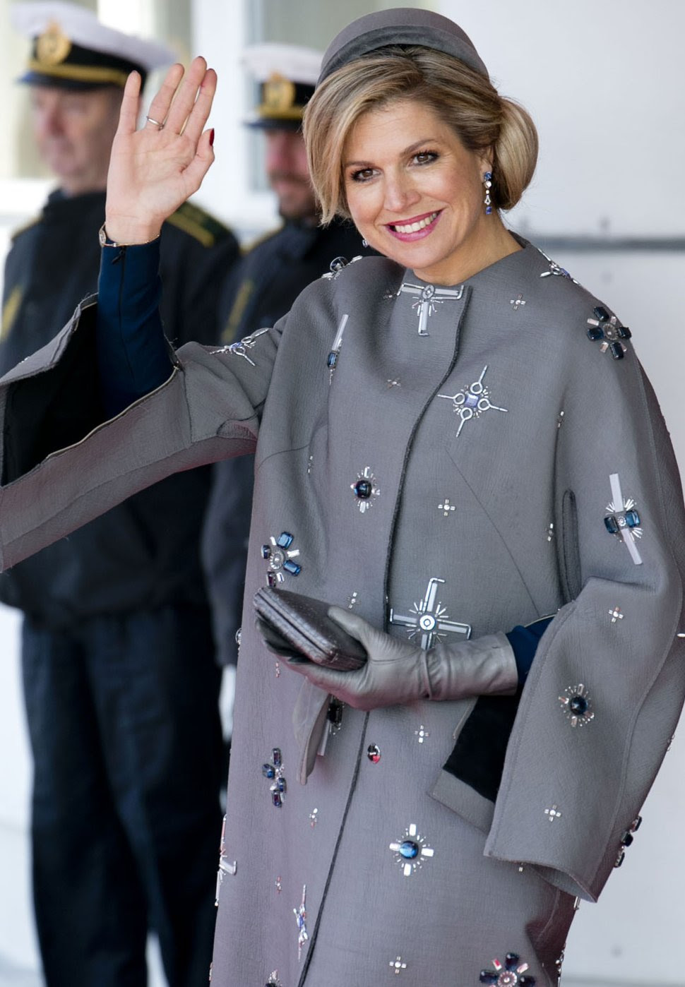 http://www.chapterfifty.com/wp-content/uploads/2016/01/Chapter-Fifty-Queen-Maxima-Dress-Claes-Iversen-grey-sequined-coat.jpg