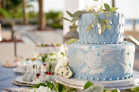 Best Tampa Wedding Cake Bakery: Alessi Bakeries