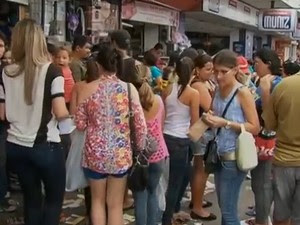 Comércio de Caruaru (Foto: Reprodução/ TV Asa Branca)