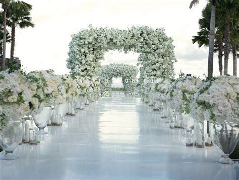 Bali wedding. Flowers and decor by Nefi Decor.   Flowers