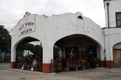 side view of bandera texaco