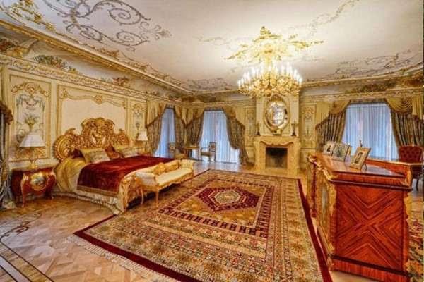 Место аристократии пытается занять элита – разжиревшие ростовщики и бандиты