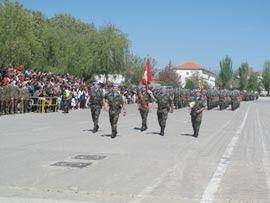 El acto de despedida concluyó con el desfile de la Fuerza