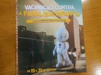 Panfleto da campanha de vacinação contra pólio (Foto: Mateus Rodrigues/G1)