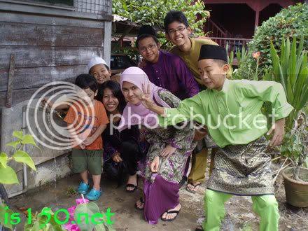 Photobucket - sepupu-sepupu dan adik