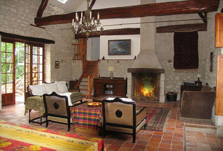 internal view of self catering barn to rent in Loire Valley