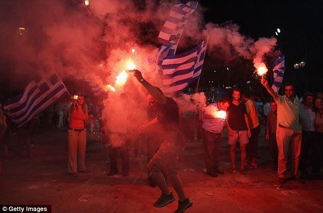 Aquecer: As coisas estão tensas na Grécia, como as pessoas poderiam votar em um retorno ao dracma