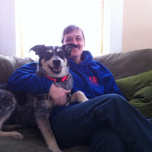 Lookie who came to deliver  presents to Norwood & Tula.    Mango momma and she's wearing a mustache! Buahahaha!