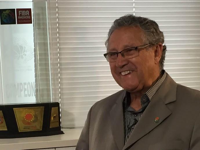 Carlos Nunes durante a entrevista na CBB (Foto: Thales Soares)