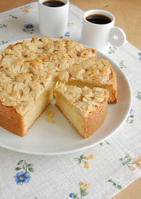 Toscatårta (Swedish almond cake / Bolo de amêndoa sueco)