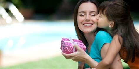 5 Outstanding Gifts For Your Mom On This Mother?s Day
