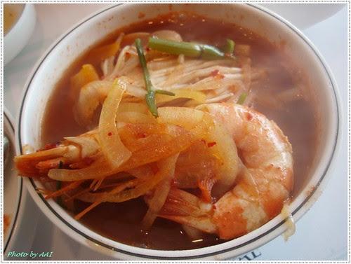 A bowl of heamool-tang