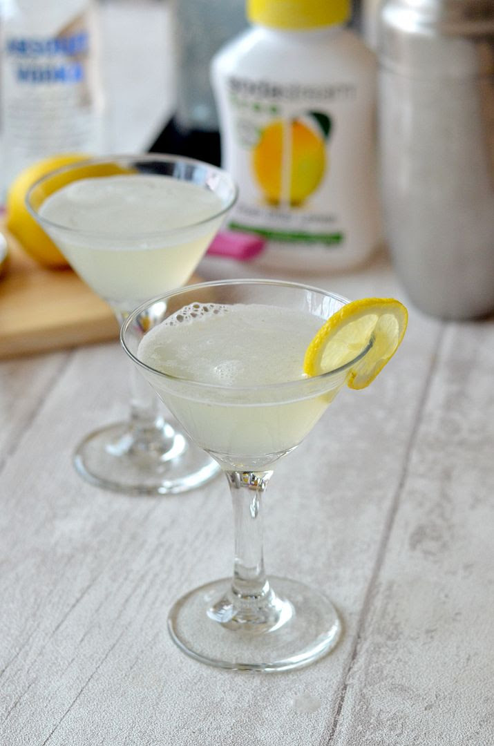 Lemon Fizz cocktail
