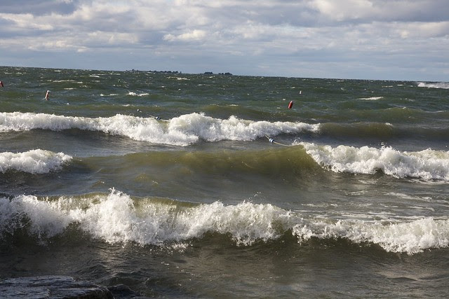 wind storm 2010, sister bay wisconsin