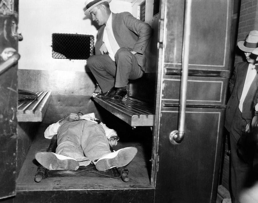 http://images.fineartamerica.com/images-medium-large/john-dillinger-dead-with-toes-everett.jpg