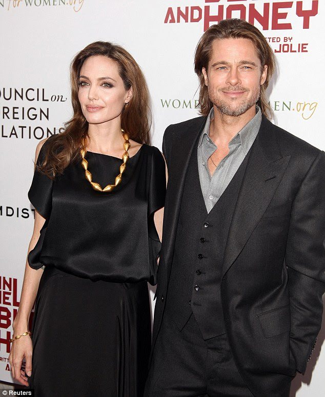 Mr & Mrs: Angelina ainda está relutante em se casar com seu parceiro, o ator Brad Pitt
