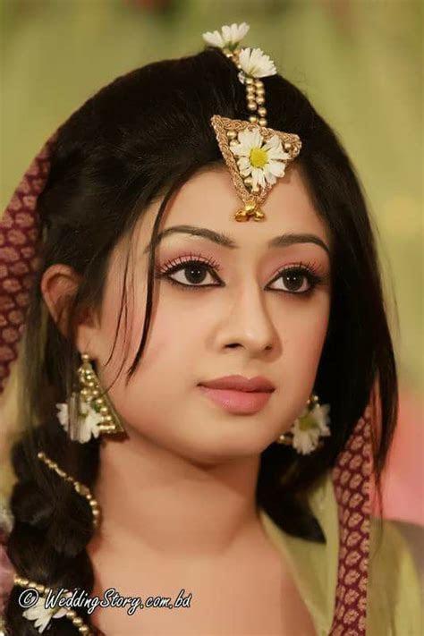 Bangladesh bride#mehendi ceremony#simple but gorgeous ?? #