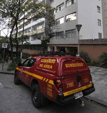 Idosa tem aproximadamente 70 anos e estava sozinha no apartamento (Juarez Rodrigues/EM.DA Press)