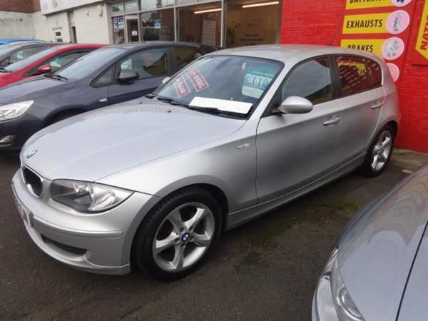 Used 2009 BMW 1 Series 118d ES in SILVER for sale in