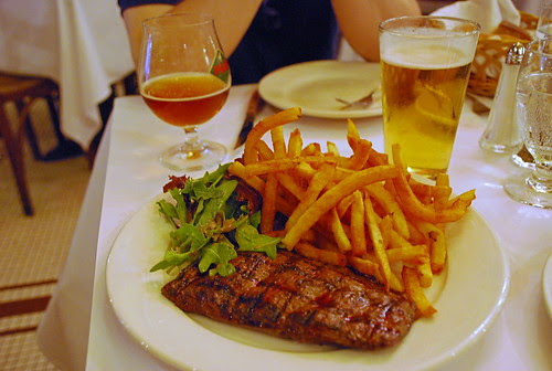 Steak , Frites, Salade and beers