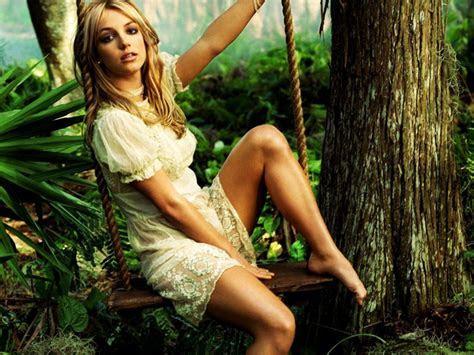 Britney Spears Photo Shoot   SheClick.com