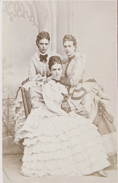 File:Alexandra of Denmark and her sisters.jpg