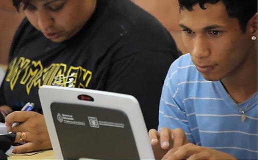 En una escuela de Lanús ya están estudiando con las netbooks