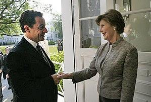 Laura Bush welcomes President Nicolas Sarkozy ...