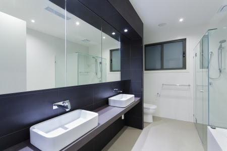 Luxury Bathroom With Twin Sinks Stock Photo, Picture And Royalty ...