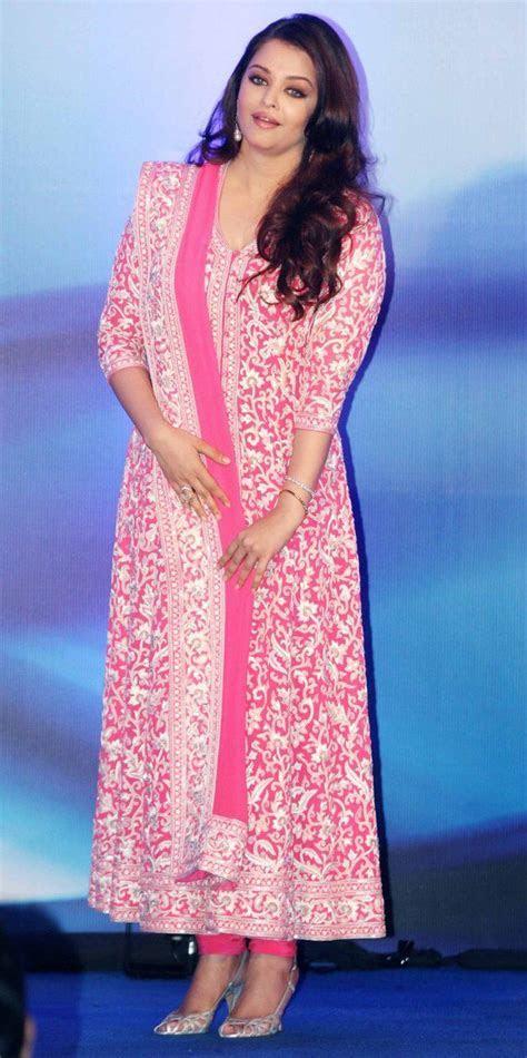 #AishwariyaRai in a pink Anarkali.   The Big Fat Indian