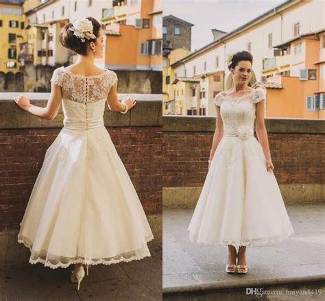 1000  ideas about Retro Wedding Dresses on Pinterest