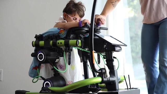 Cómo los robots son la sustitución de las sillas de ruedas para ayudar a las personas con discapacidad caminar de nuevo