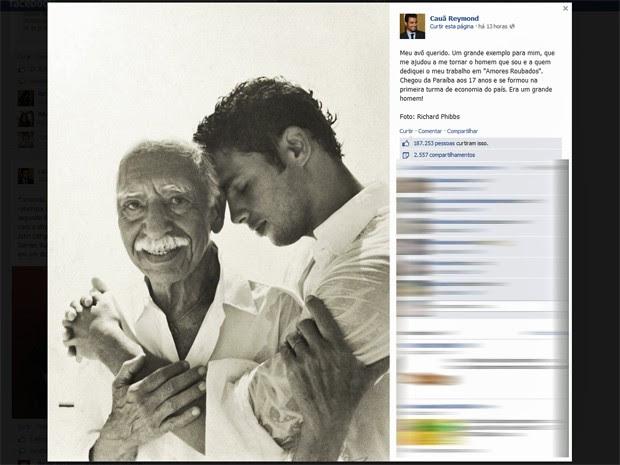 Cauã Reymond publicou foto ao lado de seu avô e dedicou a ele seu trabalho em 'Amores roubados' (Foto: Reprodução/Facebook)