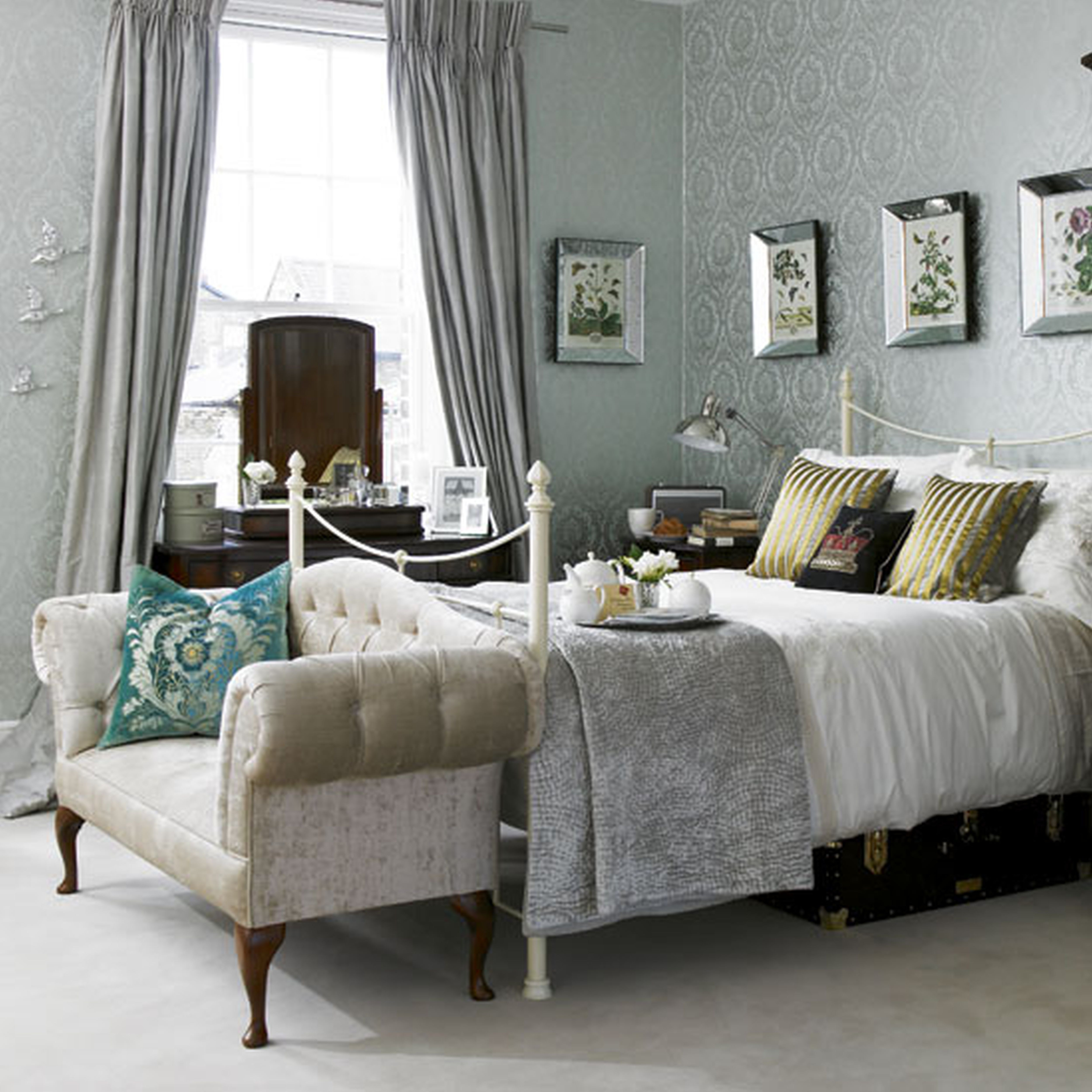 Decorating Ideas For Small Bedrooms With Queen Bed Beds Bedroom