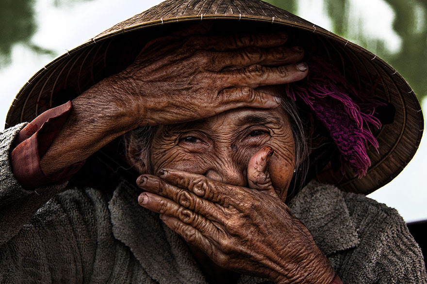 retratos-sonrisas-escondidas-rehahn-vietnam (7)