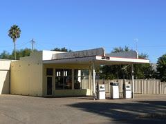 Service Station, Yenda