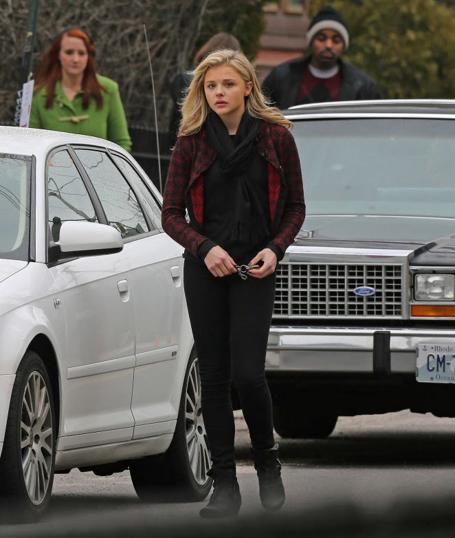 Chloe Moretz: Set of November Criminals -13