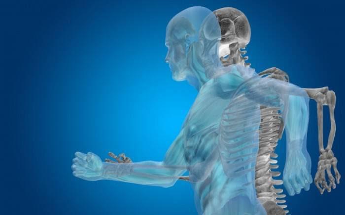 Το ρόφημα που προστατεύει τα οστά και μειώνει τον κίνδυνο για κάταγμα