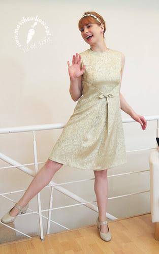 marchewkowa, szyciowy blog roku 2012, szycie, krawiectwo, Helena 2060, Łucznik, moda, fashion, retro, vintage, 60s, wykrój, Dress 7229, Burda 4/1968, lata sześćdziesiąte, sukienka, bawełniany żakard, limonkowy, grzywka, tapir, bumpits