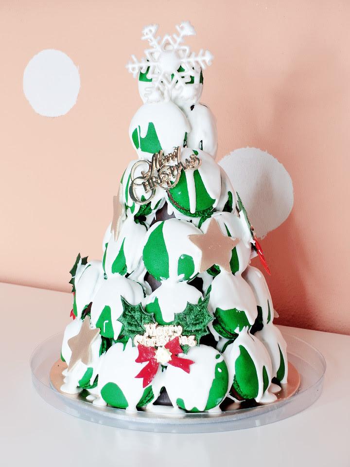 Macaron chirstmas tree cake