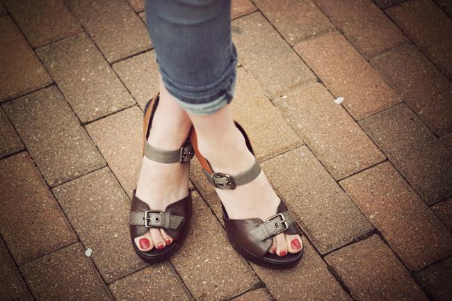 Report sandals, Color Blocking Fashion Trend