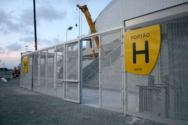 A Arena recebe os últimos retoques para os eventos oficiais de entrega à população na semana
